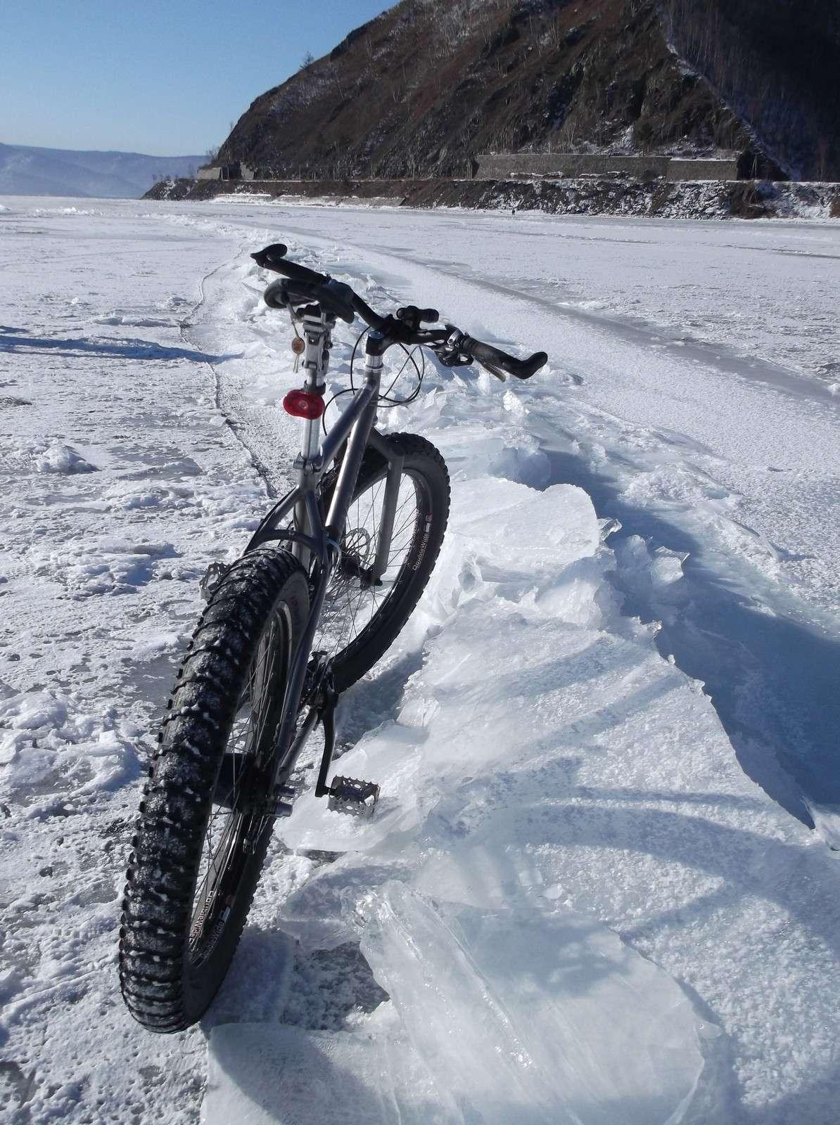 Немного о поведении фэтбайка на льду Байкала (фото+ комментарии). 2210