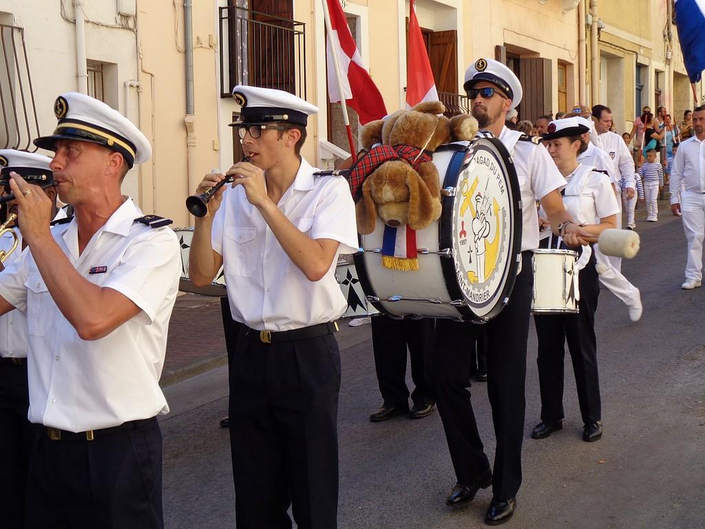 [Musique dans la Marine] Bagad de Saint Mandrier - Page 25 Bagad_11