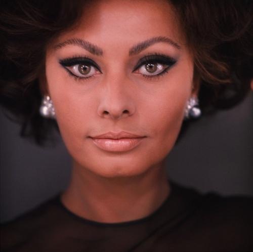 Sophia Loren is 75! - Page 4 Tumbl102