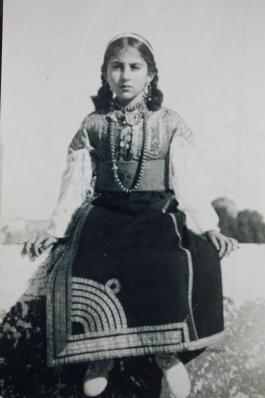 SOIR DU HENNE AVEC  LA KESOUA EL KBIRA (grande robe en arabe) - Page 2 Sara_m10