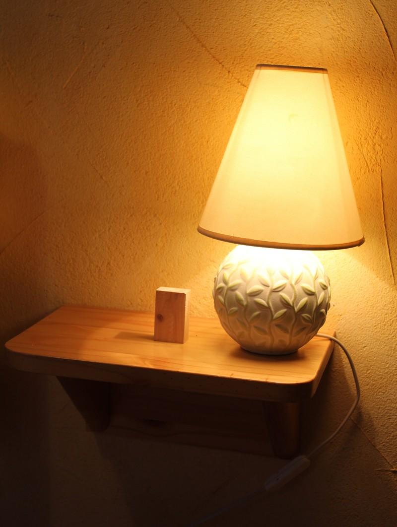 Les astuces de tonton: La lampe de chevet qui ne tombe pas Lampe-11