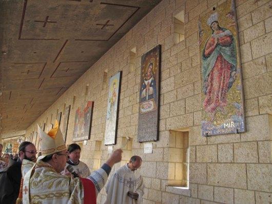 Mozaik Gospe Kondžilske postavljen u Nazaretu 0210