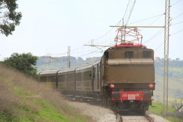25 marzo 2012 - TRENO DEI TEMPLI con il convoglio storico Treno D.O.C.  - Pagina 2 52744010