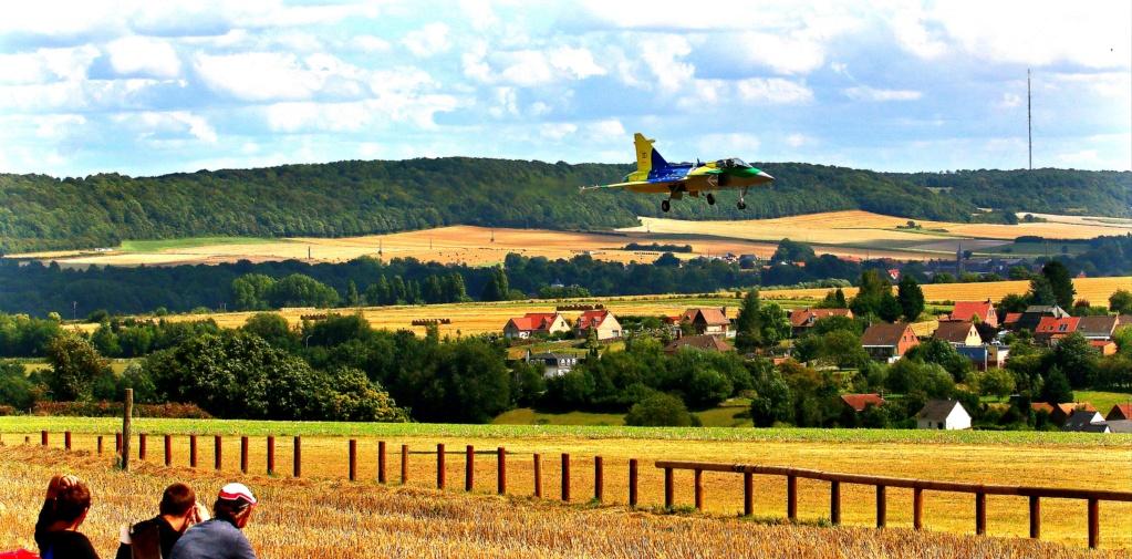 quelques photos d'aéroplanes... Ok_rv_88
