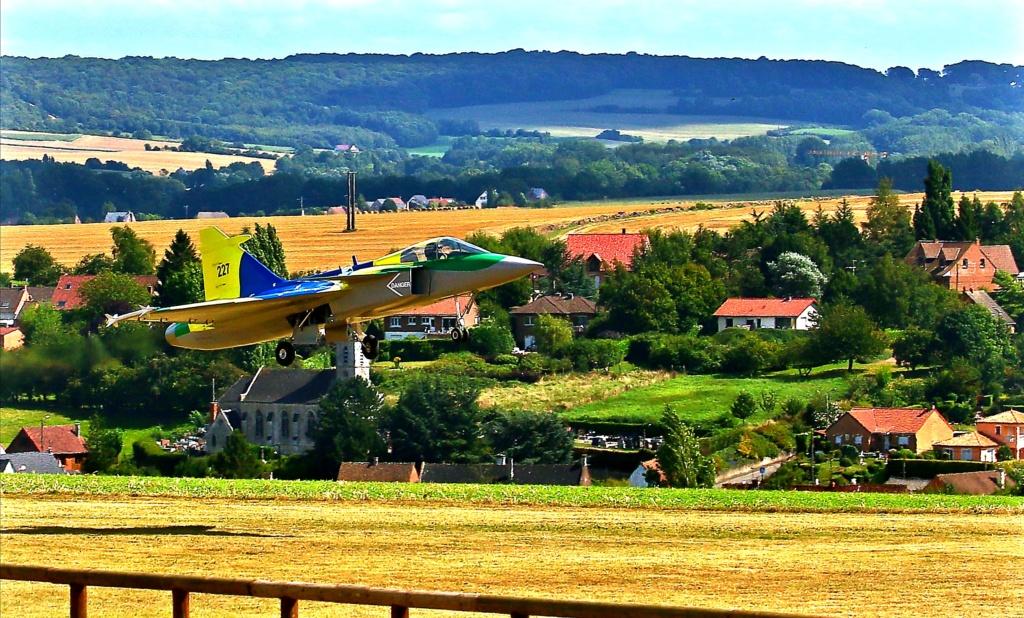 quelques photos d'aéroplanes... Ok_rv_91