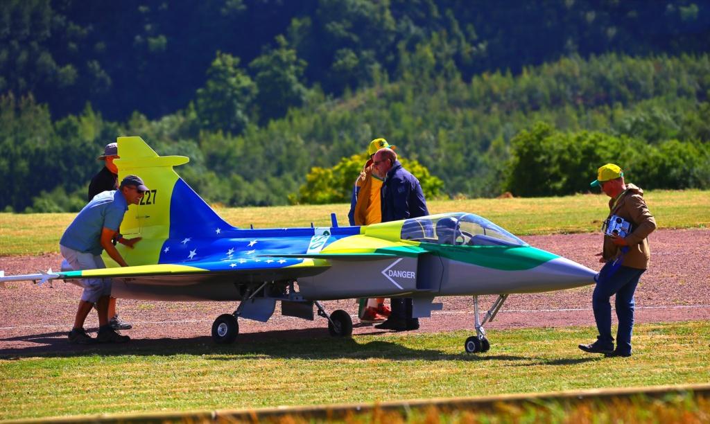 quelques photos d'aéroplanes... Ok_rv_94