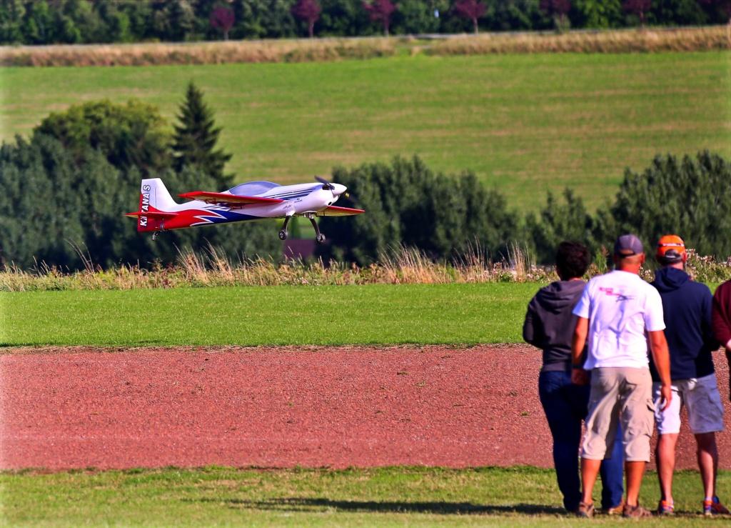 quelques photos d'aéroplanes... Ok_rv_95