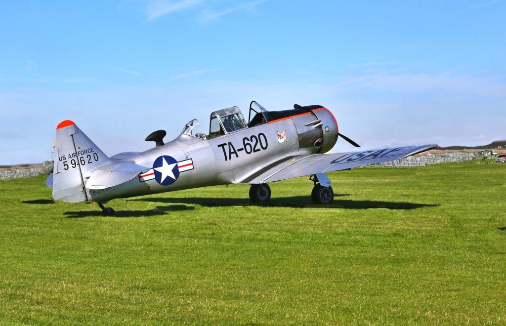 quelques photos d'aéroplanes... Revue_10