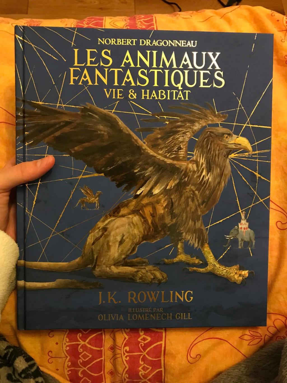 Beaux livres sur les Animaux Fantastiques - Page 4 46474710
