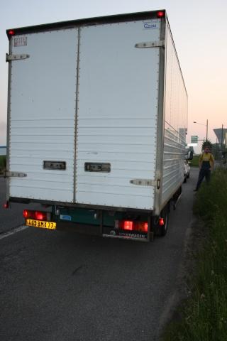 Camions/voitures aménagé(e)s: voyager avec nos chiens 23_mai11