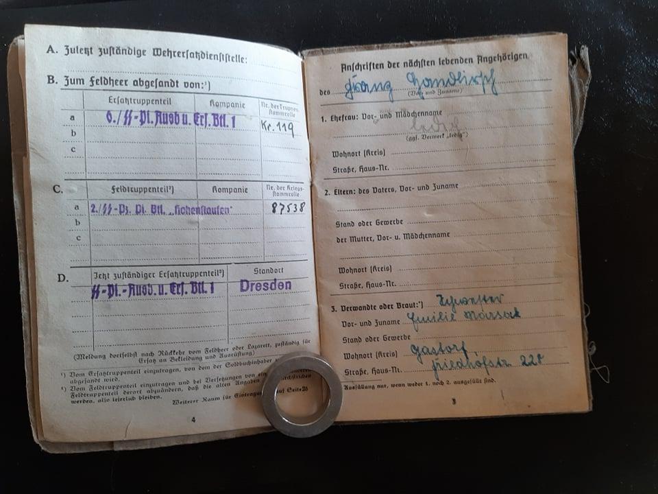 """Soldbuch  SS Pionier """" HOHENSTAUFEN """" 82295310"""