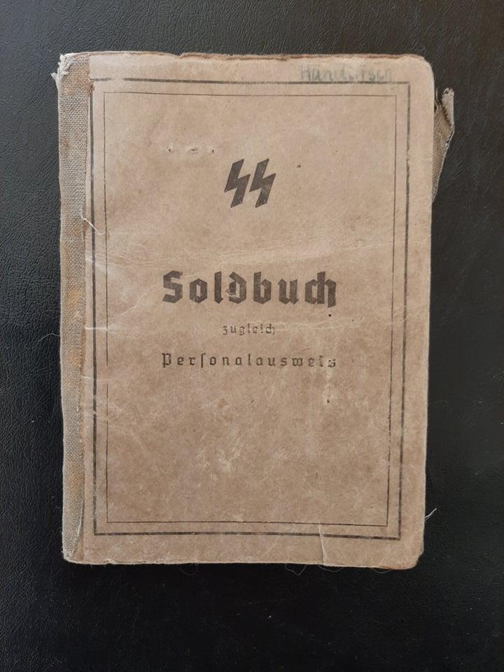 """Soldbuch  SS Pionier """" HOHENSTAUFEN """" 82336410"""