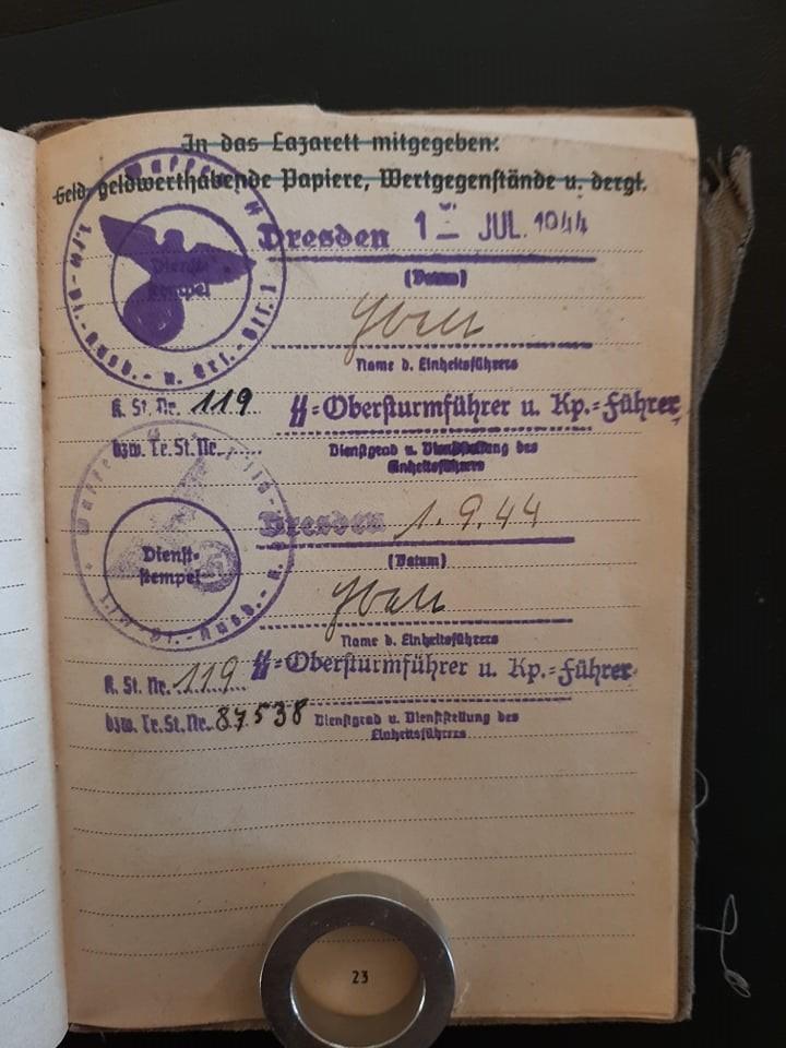 """Soldbuch  SS Pionier """" HOHENSTAUFEN """" 82604611"""