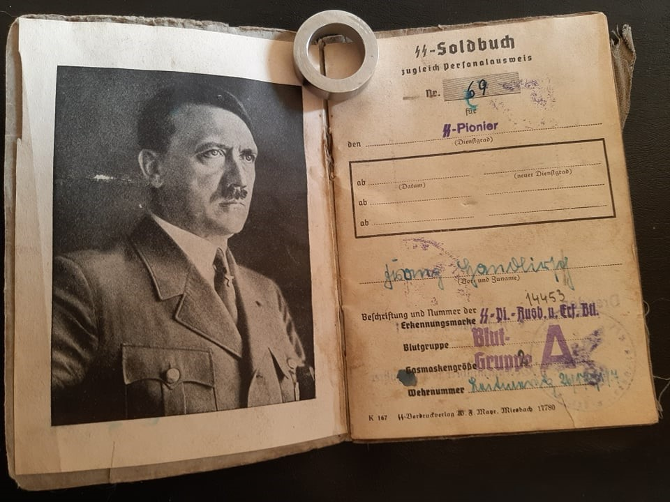 """Soldbuch  SS Pionier """" HOHENSTAUFEN """" 83170310"""