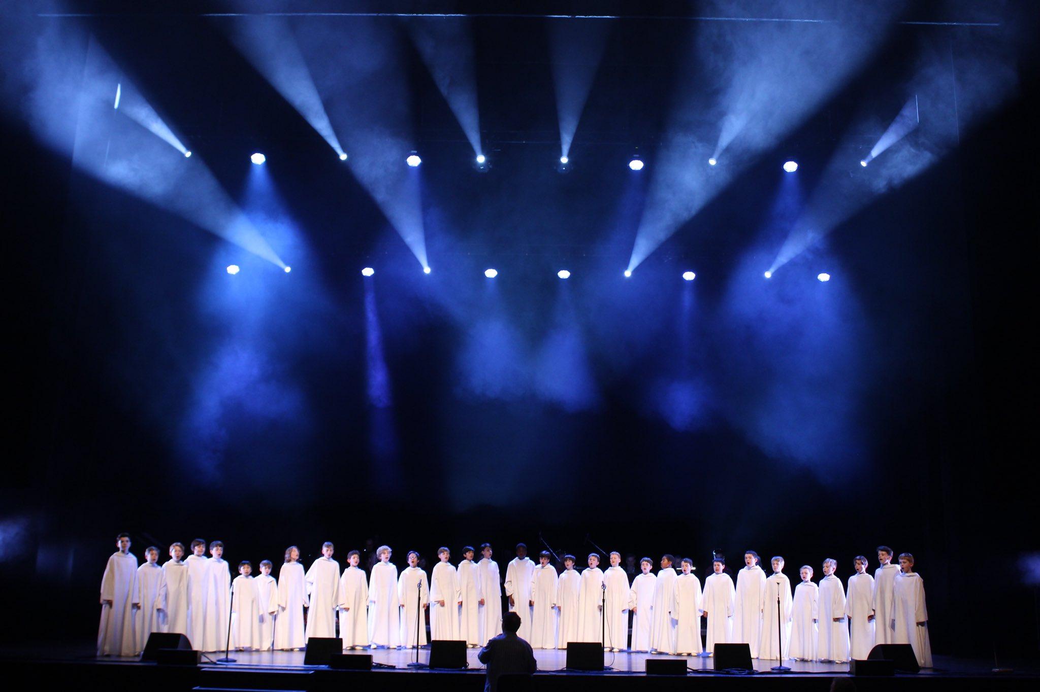 Les concerts et sorties (prestations live de Libera) [2000 → présent] - Page 5 Djada-10
