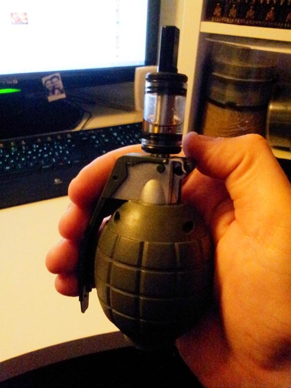 Le Grenade Mod S_201216