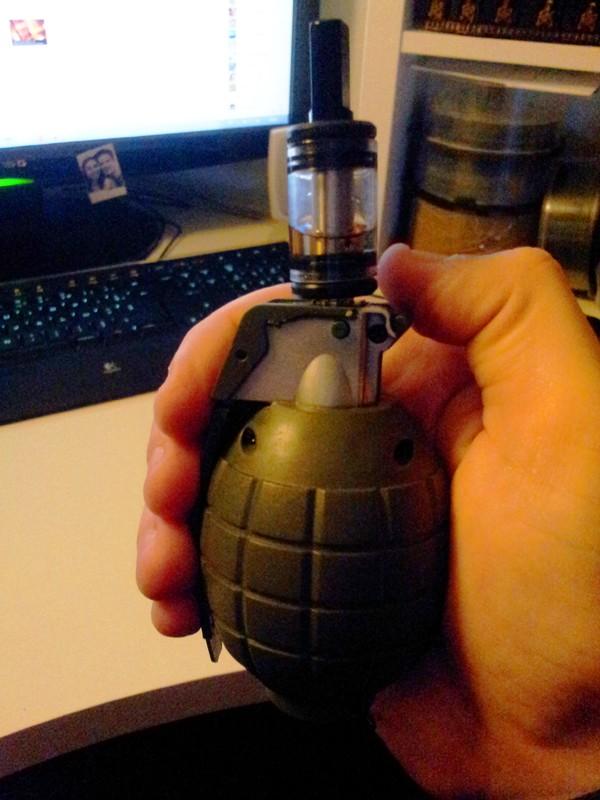 Le Grenade Mod S_201217