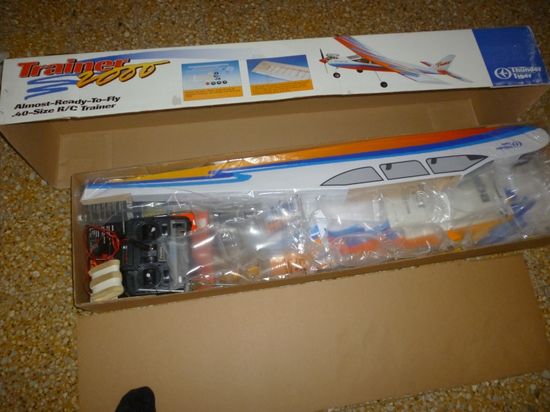 avion thermique trainer neuf complet P1020011