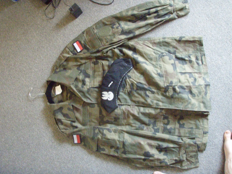 Polish uniforms picked up in Ghazni afghan desert and greens P8080030