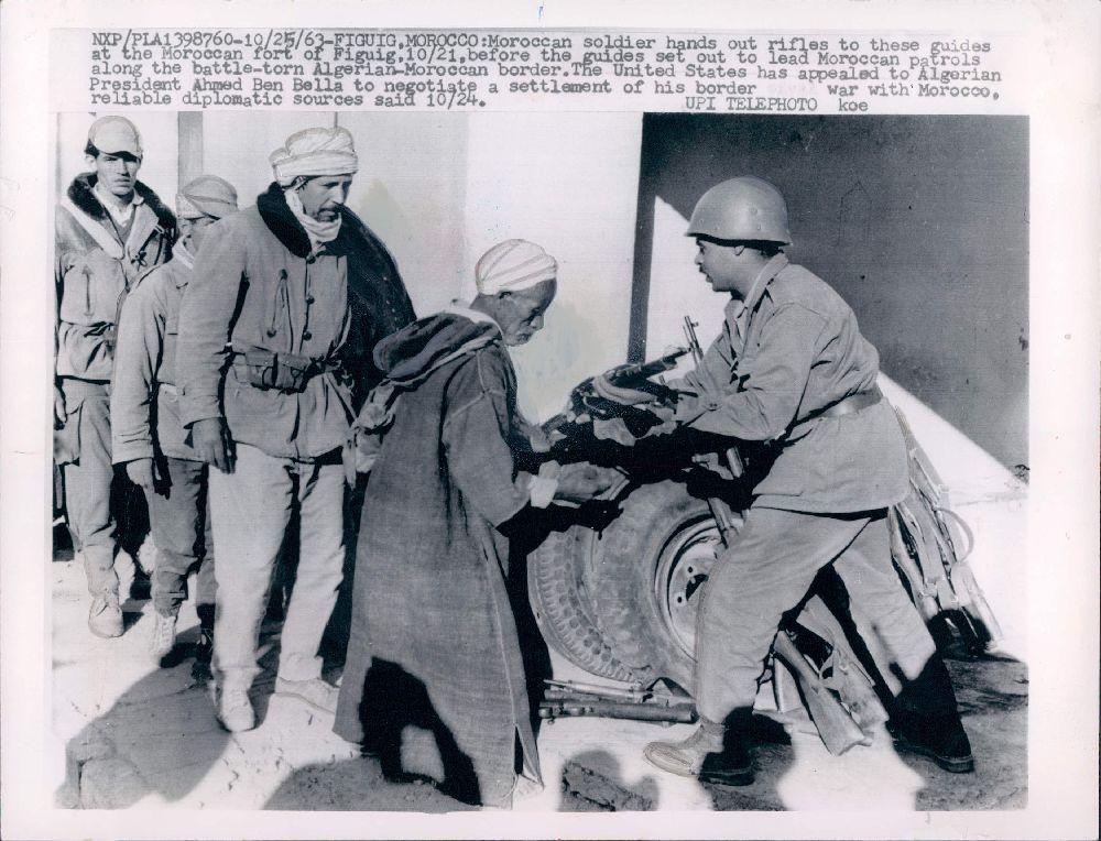 Photos - Guerre des Sables - 1963 - Page 6 Kgrhqv10
