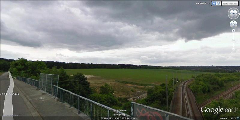 Street View : Un pont , au dessus d'un pont , au dessus d'une rivière  Court-11