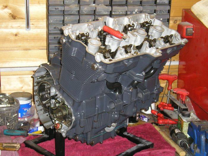 peinture moteur GSXR ah  29497310