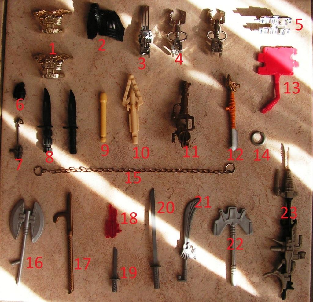 Divers accessoirs et armes Pict0211