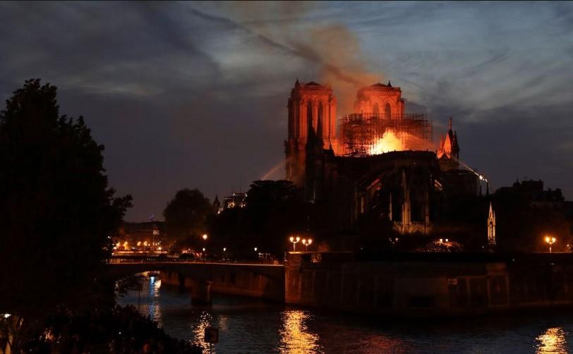 À Notre-Dame Blessée Notred10
