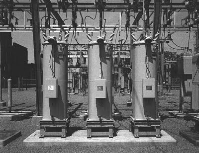 STEP-VOLTAGE REGULATORS IN THE UTILITY DISTRIBUTION SYSTEMS  Utilit11