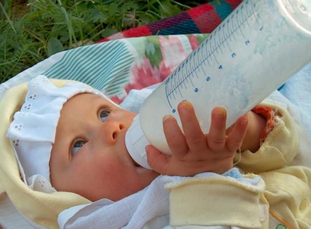 مغص الاطفال حديثي الولادة ..؟ 86802310