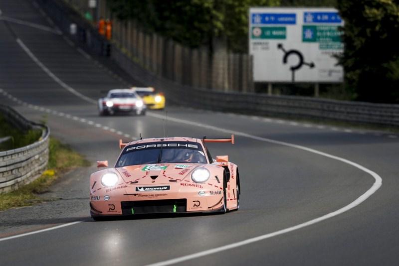 """Porsche """" Cochon rose """" M18_2110"""