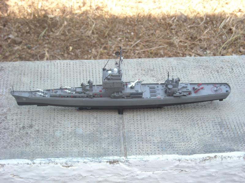 USS Long Beach sorti du nuage atomique Humbrol...  Lb0111