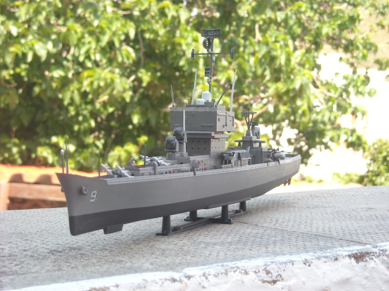 USS Long Beach sorti du nuage atomique Humbrol...  Lb0411