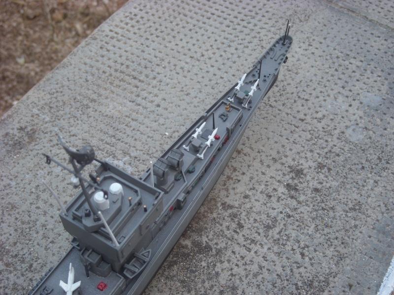 USS Long Beach sorti du nuage atomique Humbrol...  Lb0511