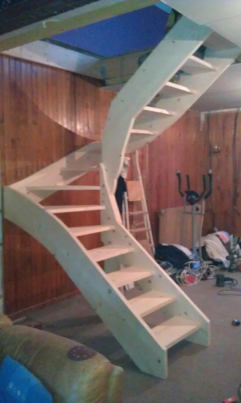 Réalisation d'un escalier - Page 2 Imag0211