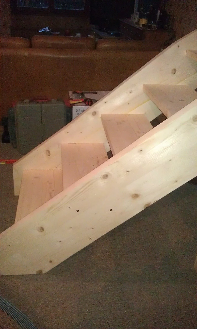 Réalisation d'un escalier - Page 2 Imag0214
