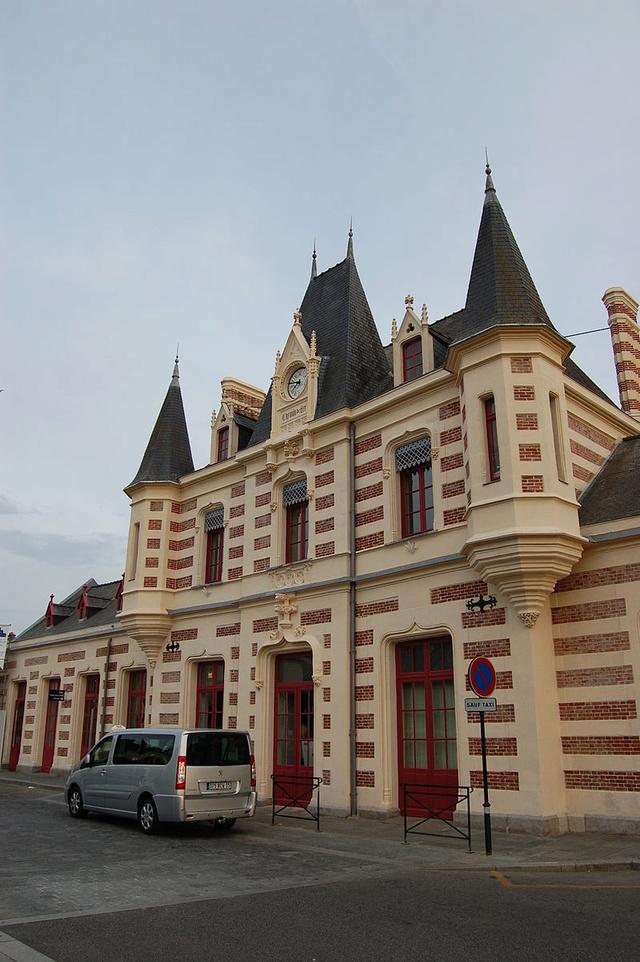 Gare de Vitré (PK 335,9) 800px-12