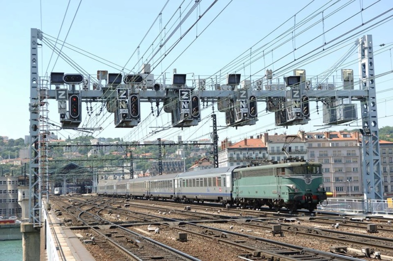 Locomotives BB 25200 (BB Jacquemin)  82291310