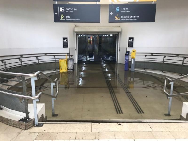 Gare de Saint-Pierre-des-Corps (PK 308,5) - (PK 233) 860_8610
