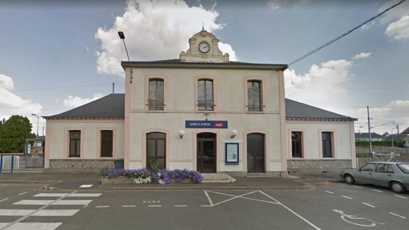 Gare d'Évron (PK 269,4) 870x4855