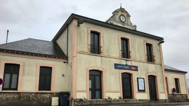 Gare d'Évron (PK 269,4) 870x4896