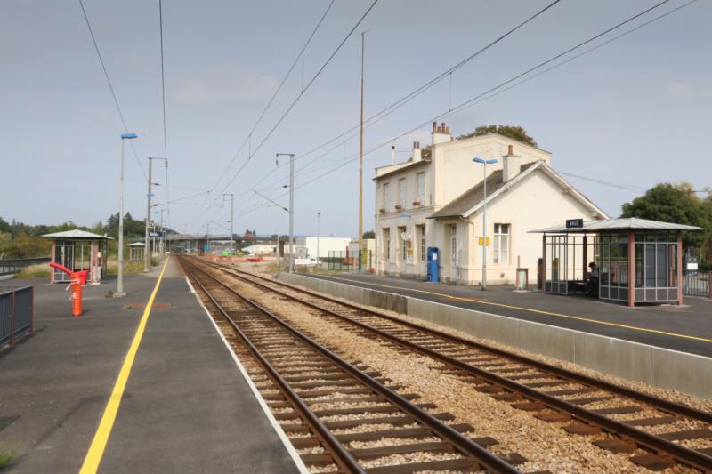 Gare de Bruz (PK 383,9) Bruz-g10