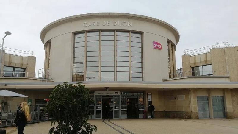 [Bourgogne-Franche-Comté] Gares et infrastructures Dijon10