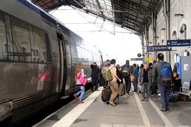 Gare de Saint-Germain-des-Fossés (PK 354,4)  Gare-s11