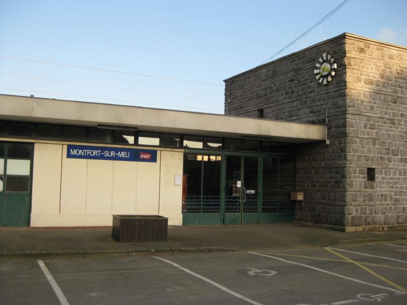 Gare de Montfort-sur-Meu (PK 395,5) Gare_s11