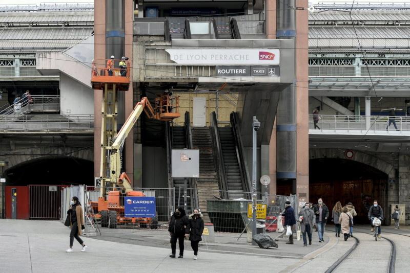 Gare de Lyon-Perrache (PK 510,9) Les-tr11