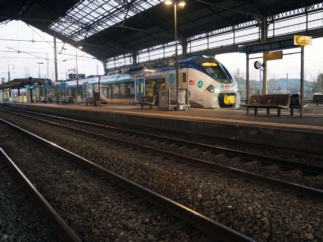 Gare de Saint-Germain-des-Fossés (PK 354,4)  Rassem11