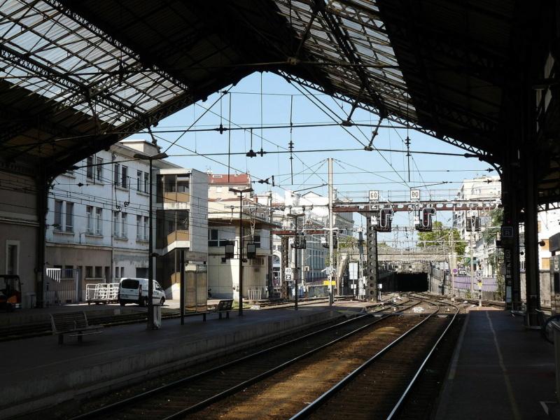 [26] Gares de la Drôme Valenc10
