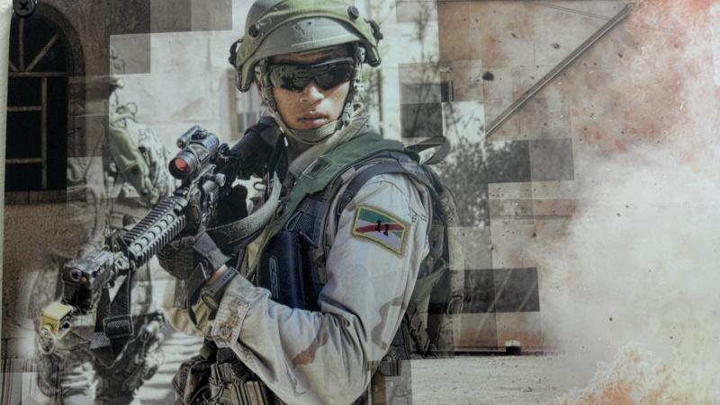 Neat Iraqi helmet pics 2012-022