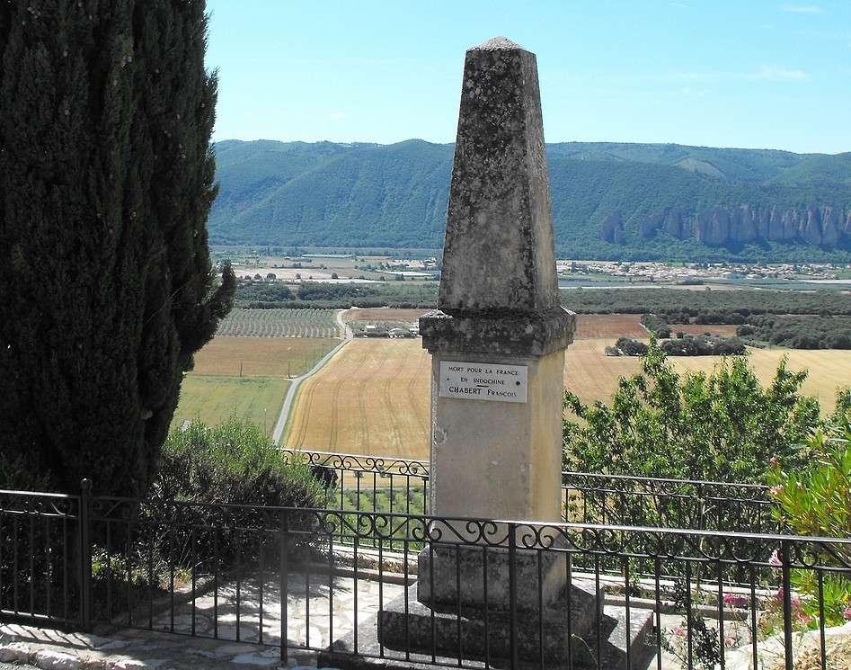 [Histoires et Histoire] Monuments aux morts originaux Français Tome 1 - Page 3 Monfor10